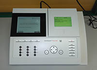 Espectrofotómetro compatible con kits de análisis en agua y alimentos