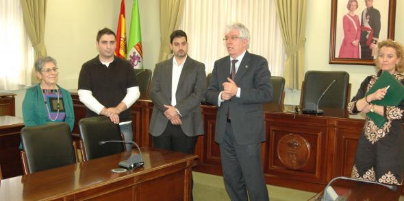 El rector conf a en el futuro del hospital cl nico y en conseguir la acreditaci n europea de la - Oficina virtual veterinaria ...