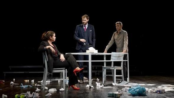 La compañía teatral \'Cuarta Pared\' presenta mañana en El Albéitar la ...